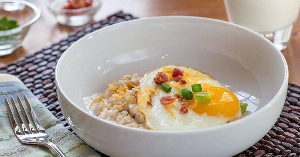 Овсянка в банке: здоровый и быстрый завтрак без готовки.