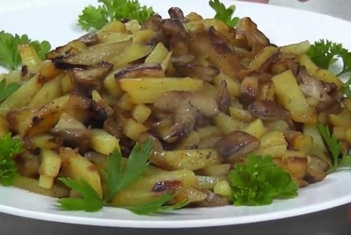 Опята жареные с картошкой и луком (рецепт + фотографии)