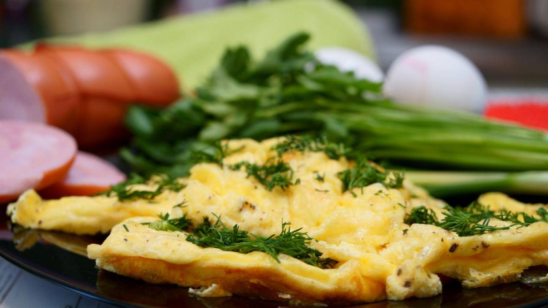 Омлет с брокколи на сковороде: 4 вкусных рецепта, особенности приготовления - onwomen.ru