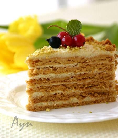 Торт «Рыжик» с кремом из сгущенного молока