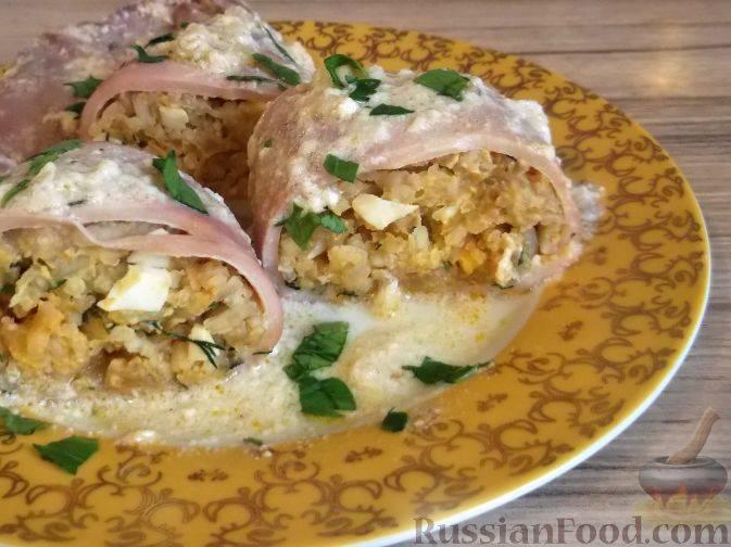 Кальмар, фаршированный рисом и яйцом