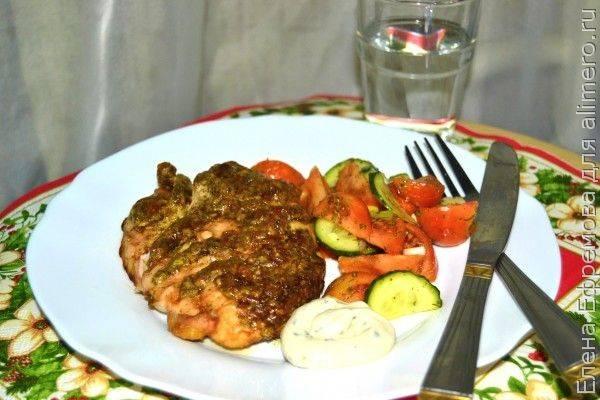 Куриный салат с орехами: 8 хороших рецептов  