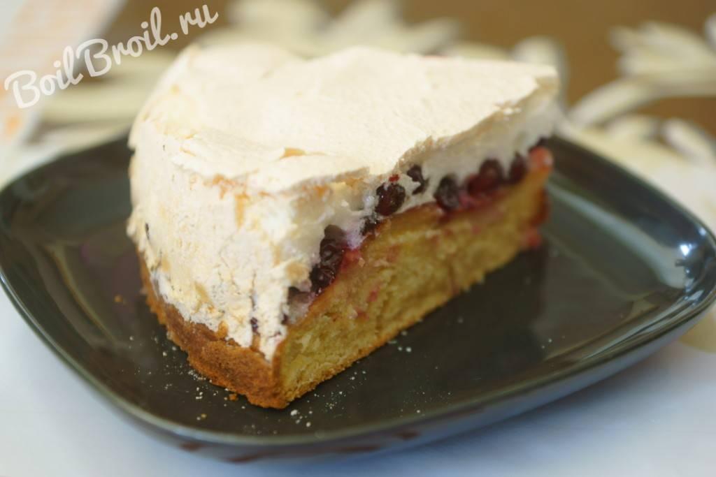 Пирог с творожной начинкой и брусникой — кулинарные рецепты любящей жены