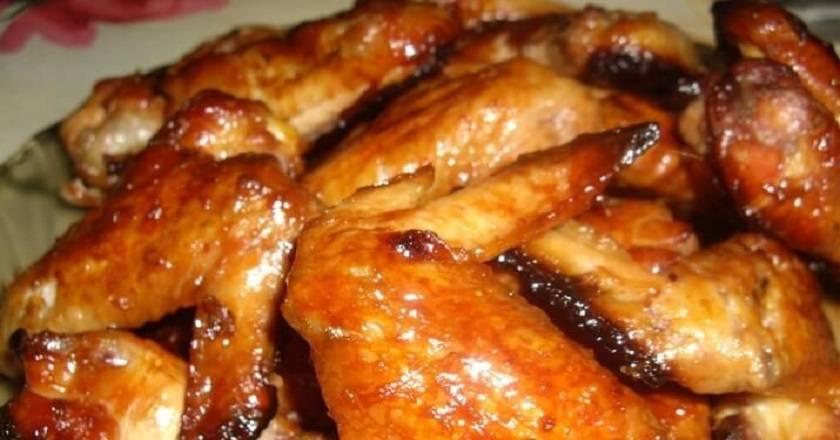 Куриные крылышки в панировочных сухарях в духовке - 9 пошаговых фото в рецепте