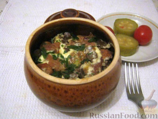 Картошка с фрикадельками в горшочках по-домашнему