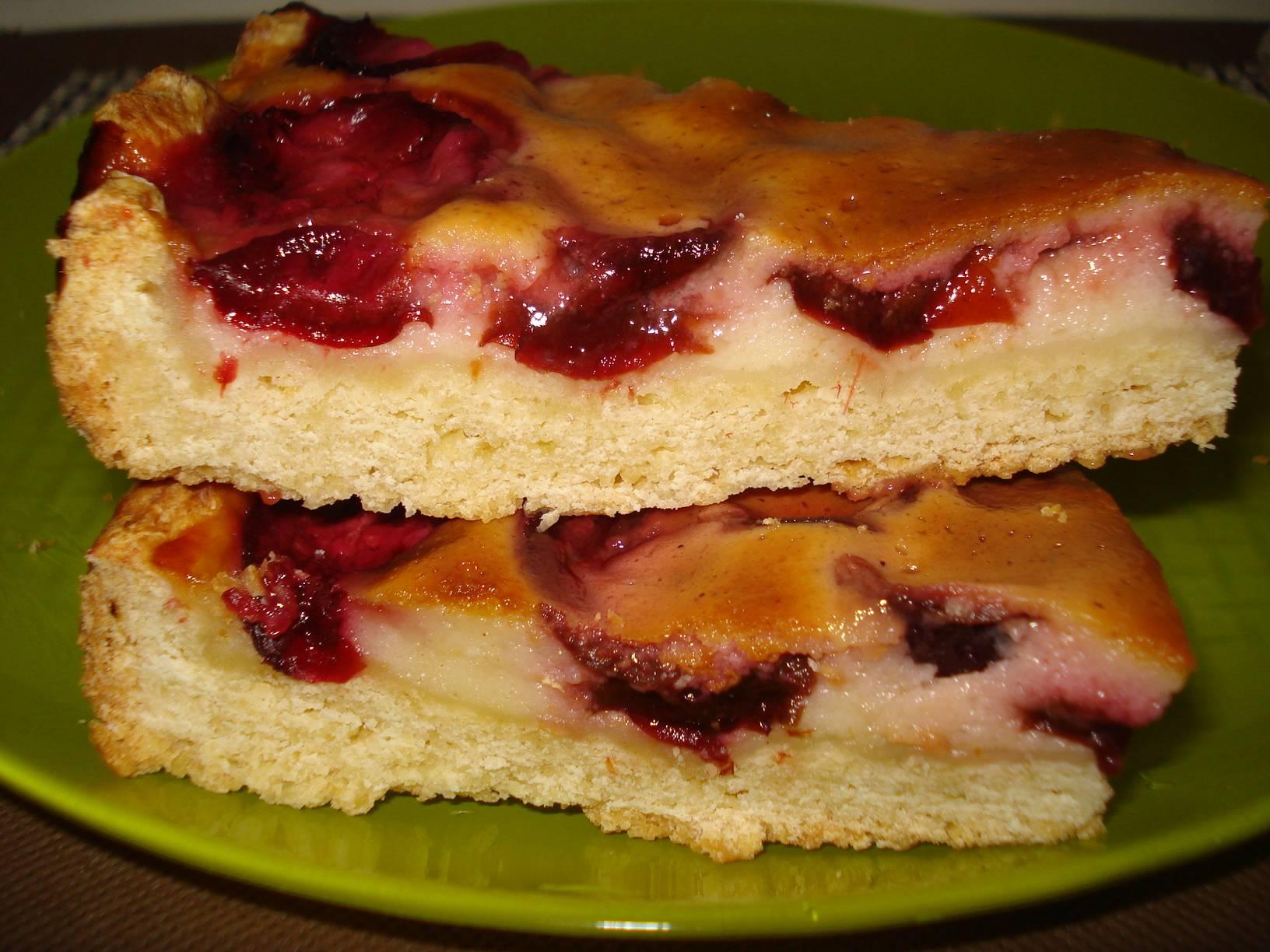Сливовый пирог с кремовой заливкой