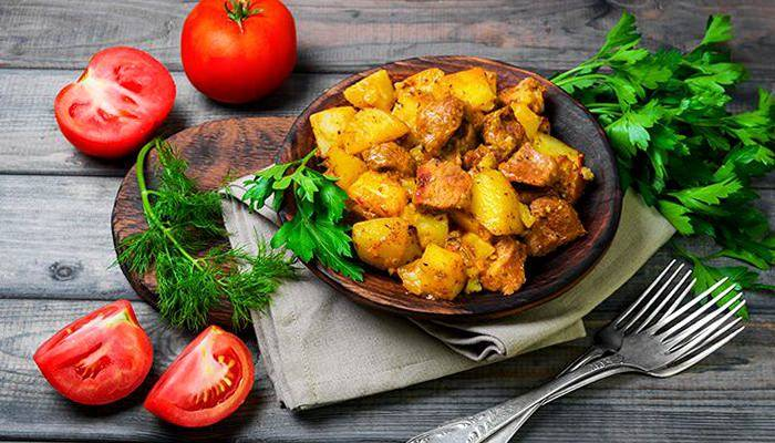 Картошка с тушенкой в мультиварке - вкусные и сытные варианты простого блюда