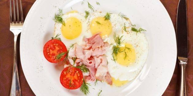 Как приготовить идеальный скрэмбл или почему не получается яичница-болтунья