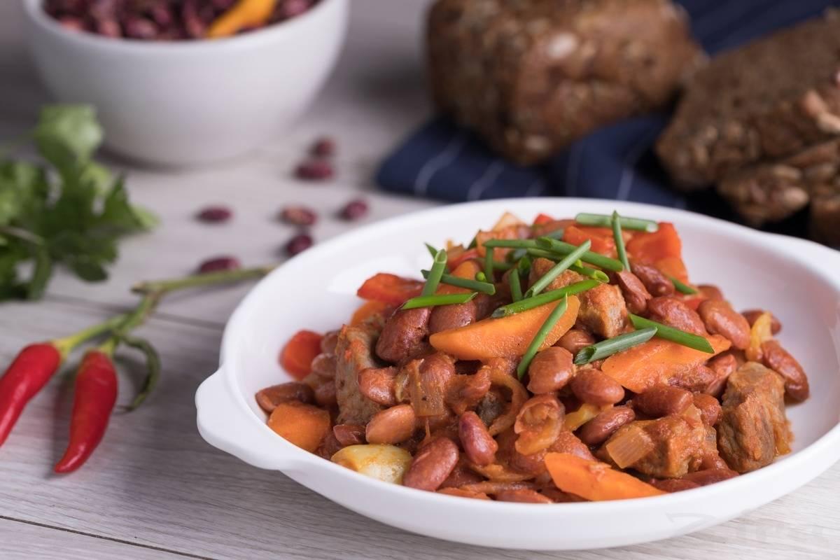 Тушеная фасоль с овощами — очень вкусный и быстрый рецепт