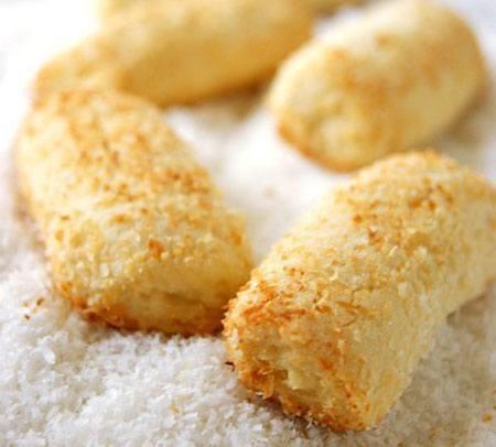 Кокосовое печенье по рецептам из стружки или муки на песочном, овсяном и творожном тесте