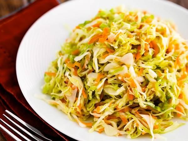 Квашеная капуста быстрого приготовления: 6 рецептов хрустящей и сочной капусты