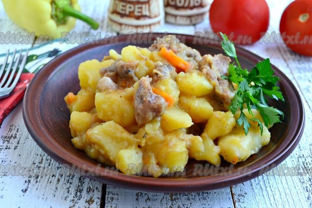 Тушеная картошка с тушенкой в мультиварке - 7 пошаговых фото в рецепте