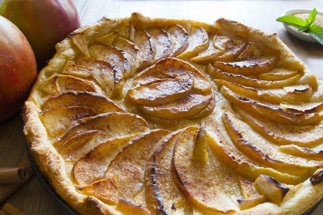 Торт из слоеного теста: вкусный и простой рецепт