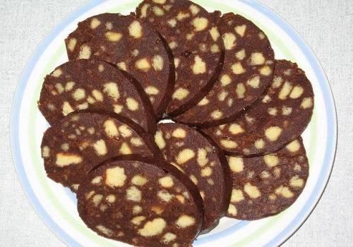 Быстрый десерт: рецепты вкусных тортиков из печенья и сгущенки без выпечки