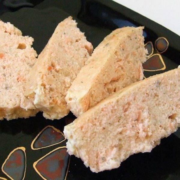 Запечённый рулет из лосося с вкусной начинкой