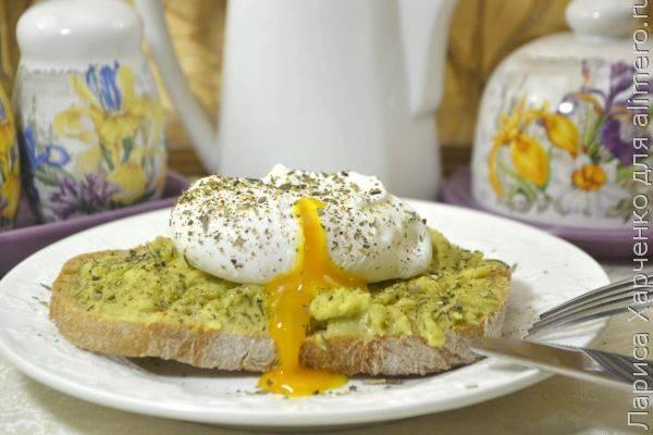 Классические яйца пашот
