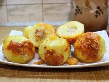 Картошка фаршированная в мультиварке