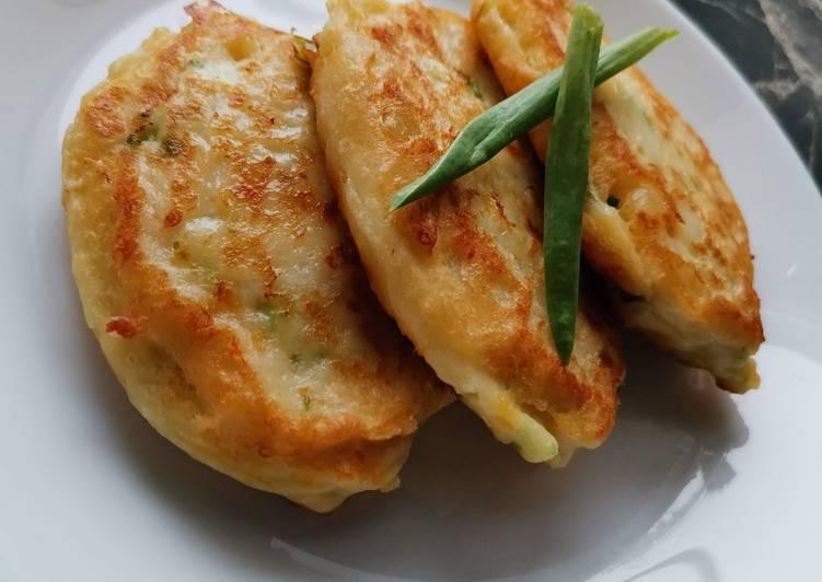 Картофельные оладьи с сыром - 9 пошаговых фото в рецепте