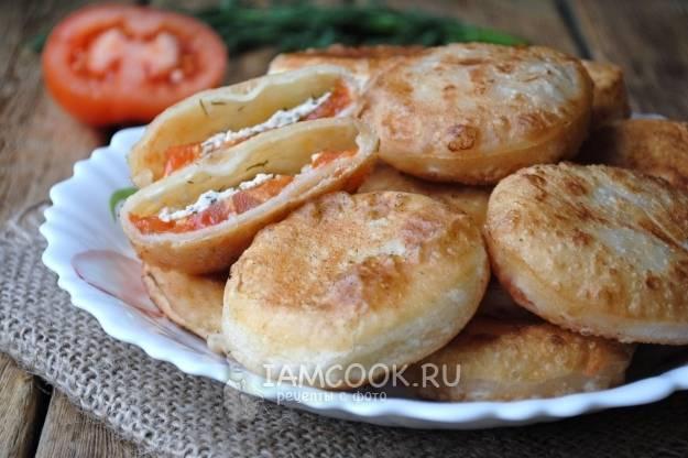 Пирожки из дрожжевого слоеного теста - 26 пошаговых фото в рецепте