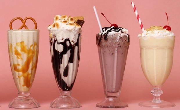 Молочный коктейль с мороженым: рецепт в домашних условиях в блендере