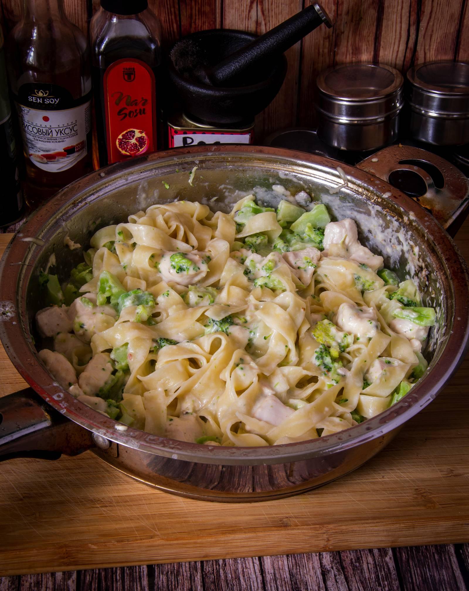 Фетучини с куриным фаршем в сырном соусе рецепт с фото