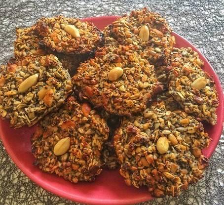 Печенье с изюмом и семечками
