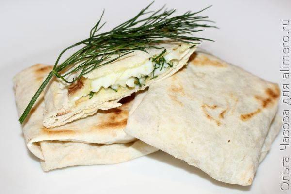 Лаваш с яйцом всмятку - вкусный и сытный завтрак