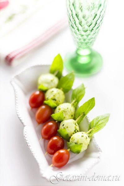 Салат из помидоров, 2 простых рецепта: сытный и оригинальный. сытные и простые салаты с помидорами в 2020 году