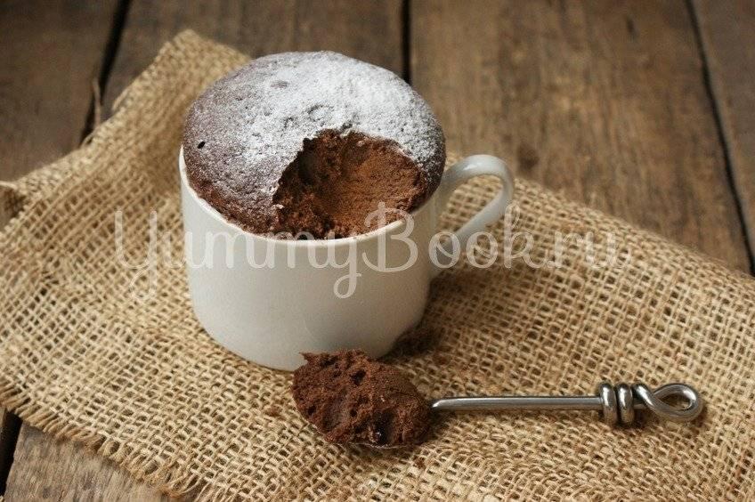 Шоколадный кекс в кружке в микроволновке за 3 минуты