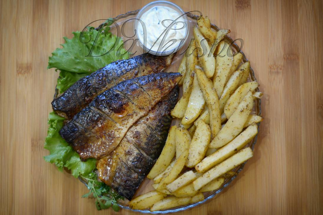 Картофельный салат с копчёной скумбрией