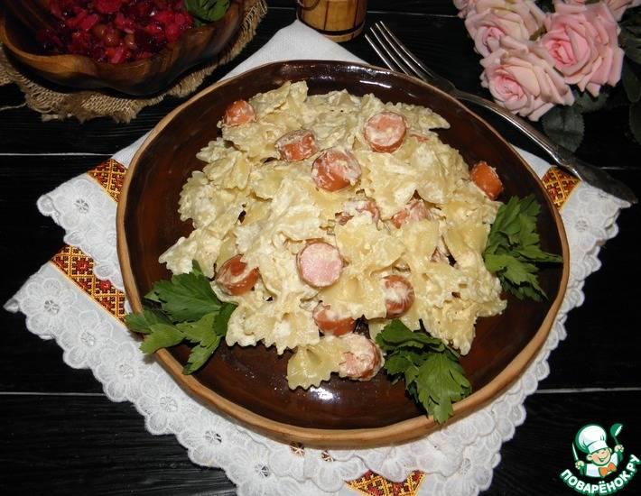 Макароны с сосисками и сыром в сковороде - 8 пошаговых фото в рецепте