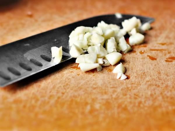 Классический рецепт соуса песто: с чем есть, какие бывают соусы