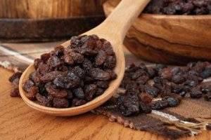 Рецепты приготовления домашней настойки, наливки и вина из изюма в домашних условиях