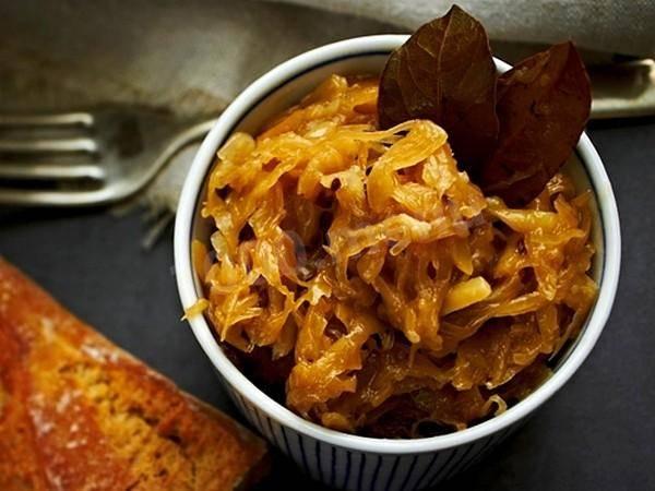 Тушеная квашеная капуста в духовке или мультиварке - рецепты с мясом, грибами, рисом