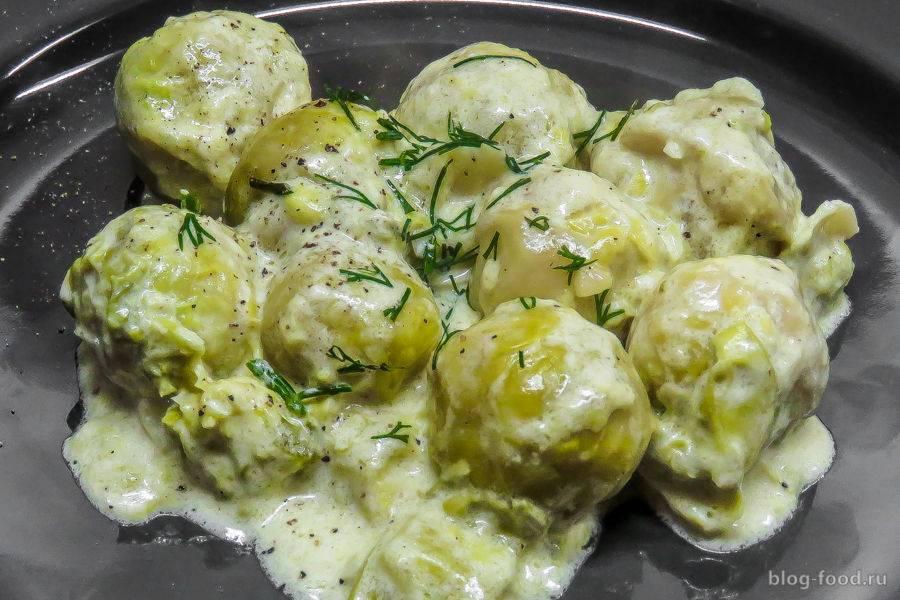 Запеченная брюссельская капуста под сырной корочкой