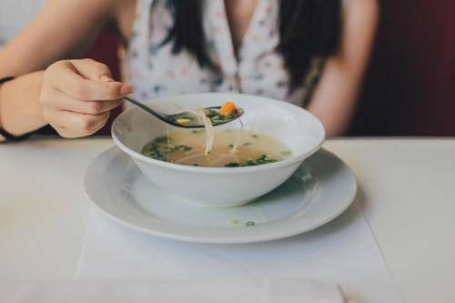 Постный грибной суп из сушеных грибов с перловкой