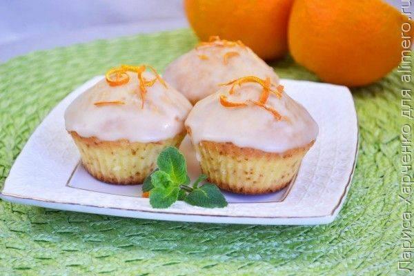 Кексы на кефире с апельсиновой глазурью