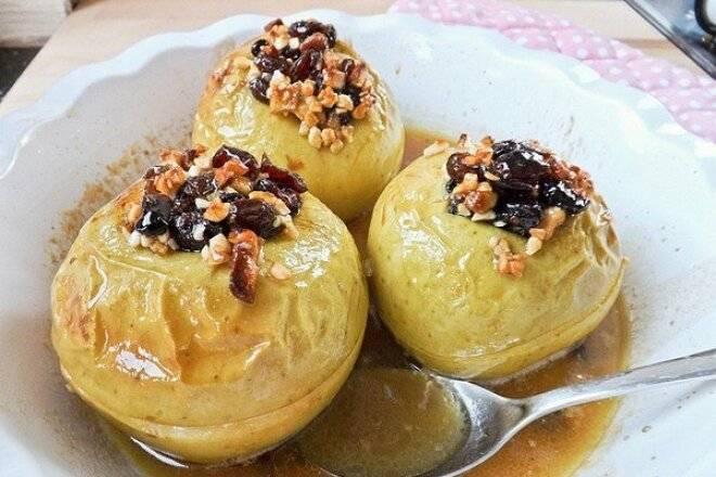 Яблоки печеные с творогом в духовке, рецепт