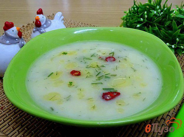 Чесночный суп с яйцом и сырными сухариками