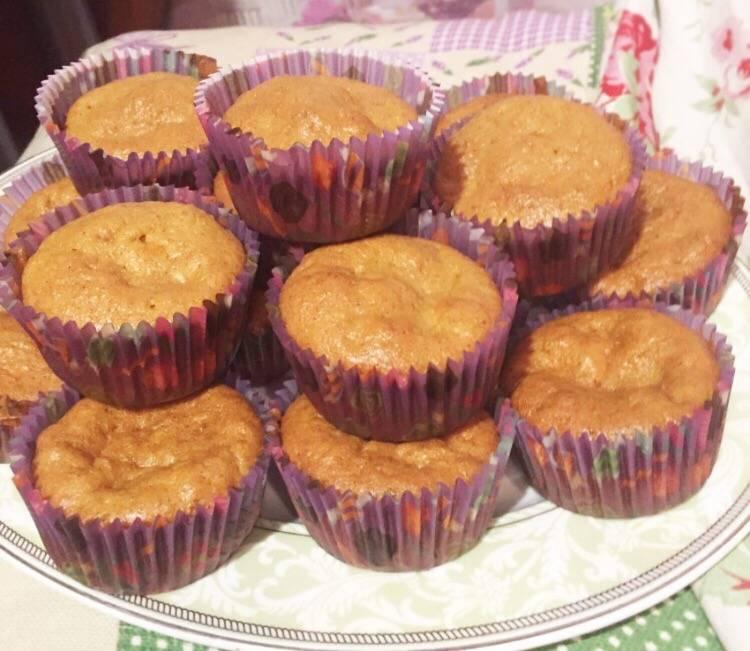 Тыквенные пирожные с бананом под шоколадной глазурью