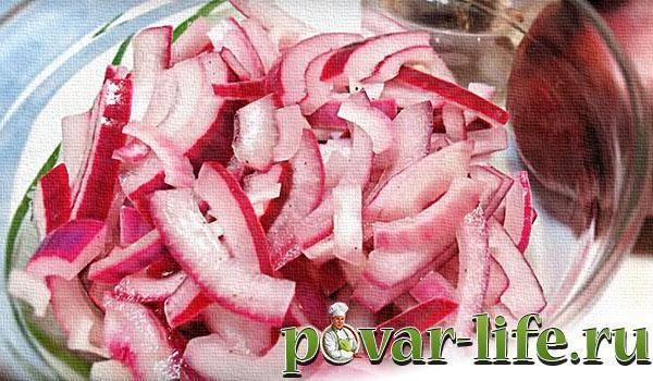 Лук, маринованный в уксусе – 7 быстрых рецептов для салата и шашлыка