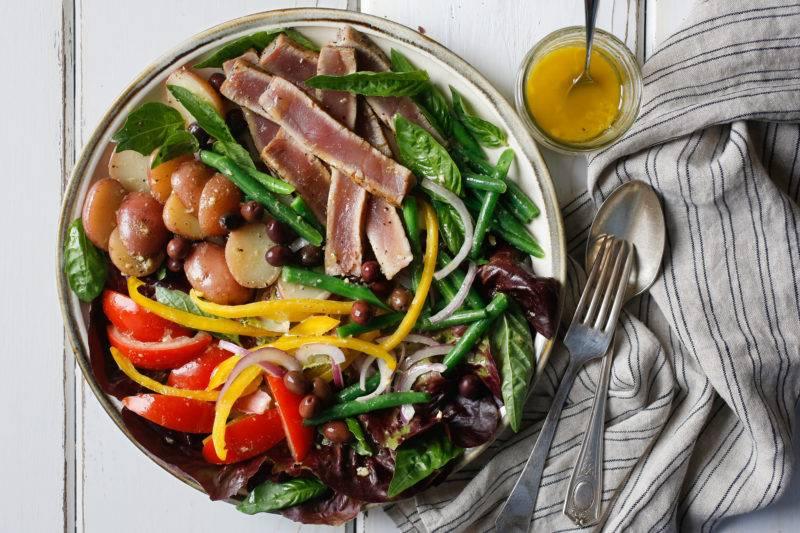 Нисуаз: классический рецепт салата из тунца и современные вариации