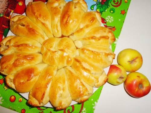 Рассыпчатый постный пирог с ягодами