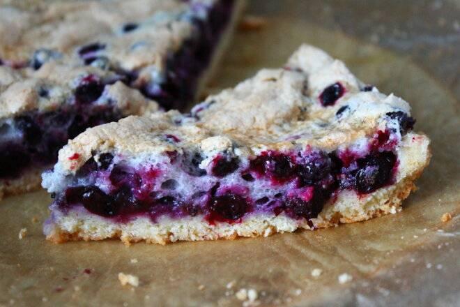 Песочный пирог со смородиной - 10 пошаговых фото в рецепте