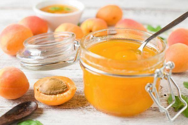 Как сварить абрикосовое варенье с миндалем