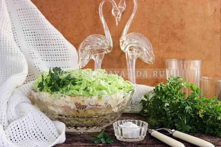 Постный пирог с пекинской капустой