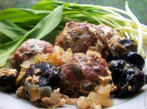 Итальянские мясные шарики с черносливом