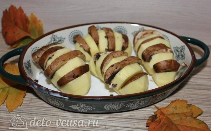 Картошка-гармошка с беконом и помидором в духовке: рецепт с фото пошагово