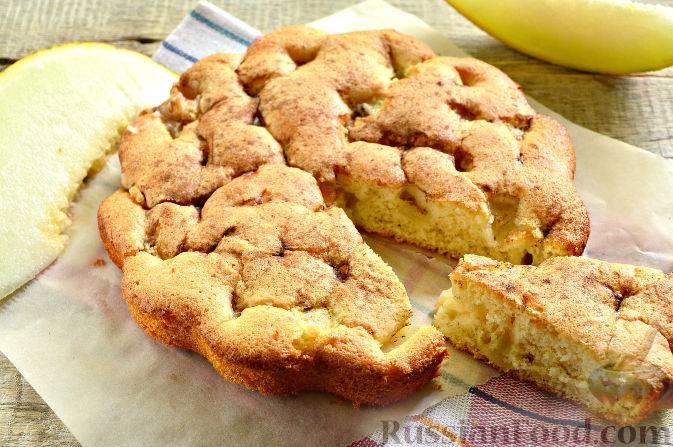 Пышные пирожки с яблоками в духовке