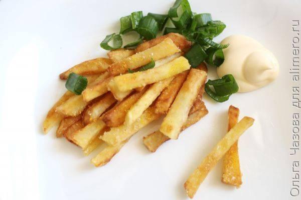 Домашний картофель фри в мучной панировке